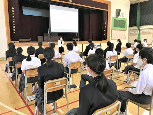 将来の夢を叶えるための強い味方(駒沢中学校 職業days マナー講習会)